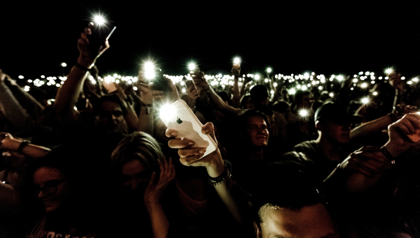 Man Recording Concert on Phone Blocked By Everyone Else Recording Concert on Phones
